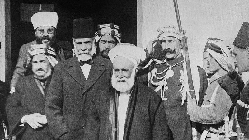 الشريف حسين بن علي الذي تنازل عن عرش الحجاز وجلس نجلاه على عرشي العراق والأردن